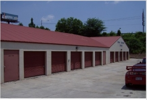 Image of American Store & Lock #2 Facility on 1221 N Wendover Rd  in Charlotte, NC - View 3