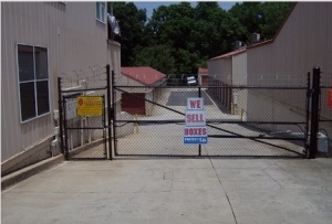 Image of American Store & Lock #2 Facility on 1221 N Wendover Rd  in Charlotte, NC - View 4