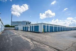 Simply Self Storage - Deerfield, IL - Deer Lake Rd
