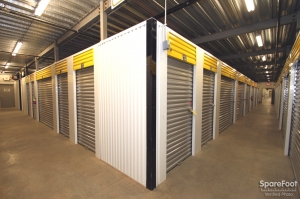Safeguard Self Storage - Darien - Photo 8