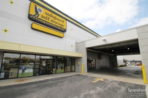 Image of Safeguard Self Storage - Bridgeview Facility on 9800 South Harlem Avenue  in Bridgeview, IL - View 3