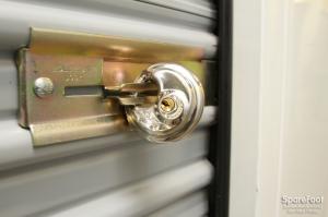 Safeguard Self Storage - Bridgeview - Photo 15