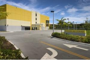 Image of Safeguard Self Storage - Miami - Palmetto Bay Facility on 17171 South Dixie Highway  in Palmetto Bay, FL - View 3