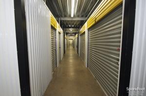 Safeguard Self Storage - Des Plaines - Photo 12
