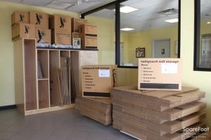 Safeguard Self Storage - Des Plaines - Photo 6