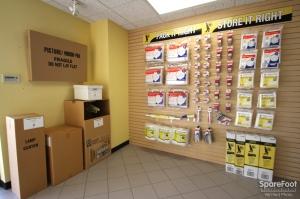 Safeguard Self Storage - Des Plaines - Photo 7