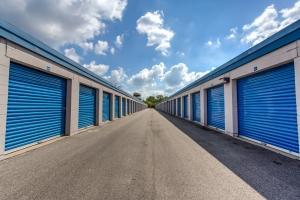 Image of Simply Self Storage - 211 N Elmhurst Road - Wheeling Facility on 211 N Elmhurst Rd  in Wheeling, IL - View 3
