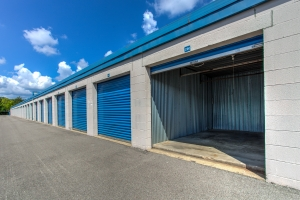 Image of Simply Self Storage - 211 N Elmhurst Road - Wheeling Facility on 211 N Elmhurst Rd  in Wheeling, IL - View 4