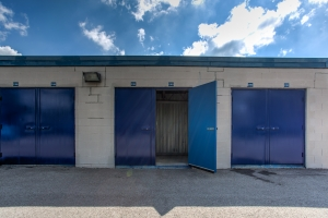 Simply Self Storage - 211 N Elmhurst Road - Wheeling - Photo 6