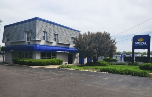 Image of Simply Self Storage - 211 N Elmhurst Road - Wheeling Facility on 211 N Elmhurst Rd  in Wheeling, IL - View 2