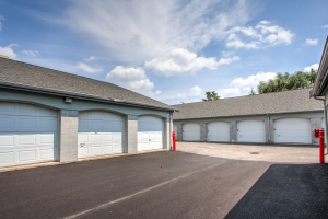 Simply Self Storage - 2025 N Hicks Road - Palatine - Photo 3