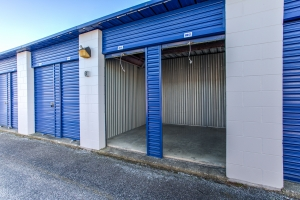 Simply Self Storage - 7937 W 10th Street - Indianapolis - Photo 4