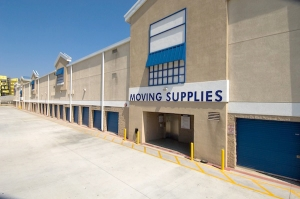 Price Self Storage National Boulevard - Photo 6