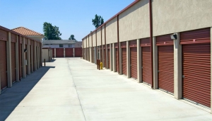 Price Self Storage Rancho Arrow - Photo 4