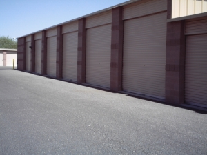 Image of StorQuest - Glendale/Union Hills Facility on 6310 W Union Hills Dr  in Glendale, AZ - View 4