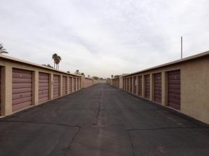 Image of StorQuest - Phoenix/Indian School Facility on 10622 W Indian School Rd  in Phoenix, AZ - View 4