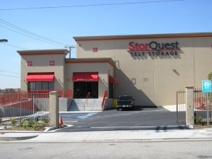 Image of StorQuest - Los Angeles/Jefferson Facility on 12821 W Jefferson Blvd  in Los Angeles, CA - View 3