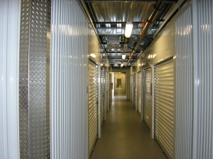 Image of StorQuest - Los Angeles/Jefferson Facility on 12821 W Jefferson Blvd  in Los Angeles, CA - View 4