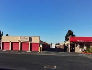 Image of StorQuest - San Leandro/Davis Facility on 1100 Davis St  in San Leandro, CA - View 3