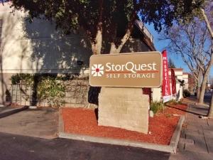 Image of StorQuest - San Leandro/Davis Facility on 1100 Davis St  in San Leandro, CA - View 4