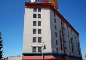 Picture of StorQuest - Oakland/San Pablo