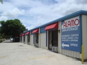 Picture 8 of Alamo Broadway Mini-Storage - FindStorageFast.com