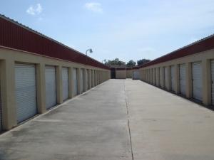 Image of Alamo Central Mini-Storage Facility on 2801 Sam Houston Dr  in Victoria, TX - View 3