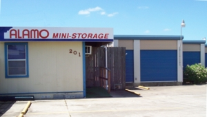Image of Alamo East Mini-Storage Facility at 201 Sam Houston Dr  Victoria, TX