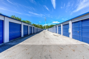 Simply Self Storage - 3171 S High Street - Columbus - Photo 3