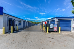 Simply Self Storage - 3171 S High Street - Columbus - Photo 9
