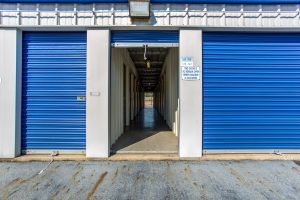 Simply Self Storage - 810 E Cooke Road - Columbus - Photo 4