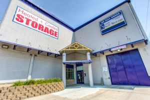 Simply Self Storage - Minneapolis, MN - Hiawatha Ave
