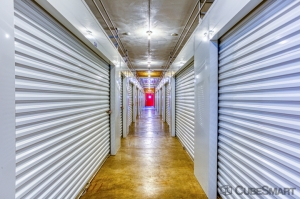 CubeSmart Self Storage - Rockford - 7511 Vandiver Rd - Photo 6