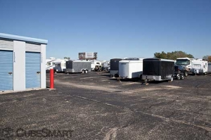 CubeSmart Self Storage - Peoria - 9219 N Industrial Rd - Photo 7