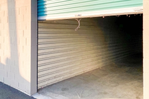 Image of Storage Outlet - Gardena Facility on 13401 S Western Avenue  in Gardena, CA - View 4