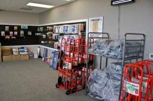 Lincoln Super Storage - Photo 6