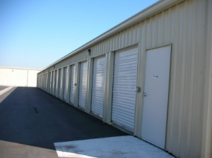 Lincoln Super Storage - Photo 12