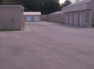 Image of StorQuest - Bradenton/Manatee Facility on 2830 Manatee Ave E  in Bradenton, FL - View 4
