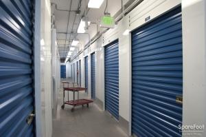 1st Ave Self Storage