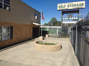 Town & Country Self-Storage - Photo 3