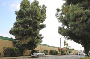 Image of Bellflower Self Storage Facility on 14822 Lakewood Blvd  in Bellflower, CA - View 3