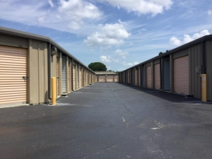 Storage Units at Life Storage - Fort Myers - Cleveland Avenue - 3111 Cleveland Ave