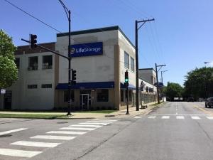 Image of Life Storage - Chicago - North Austin Avenue Facility on 2051 North Austin Avenue  in Chicago, IL - View 4