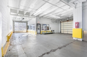 Image of Life Storage - Chicago - North Broadway Avenue Facility on 3626 North Broadway Avenue  in Chicago, IL - View 4