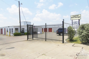 Image of Central Self Storage Facility on 2802 Fm 544  in Wylie, TX - View 2