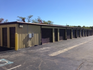 Image of Associates Secure Self Storage Facility on 2790 Old Washington Road  in Waldorf, MD - View 3