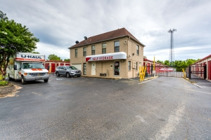 Devon Self Storage - Moriarty - Photo 1