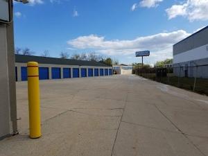 Devon Self Storage - Milwaukee