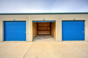 Image of Devon Self Storage - Milwaukee Facility on 2922 South 5Th Court  in Milwaukee, WI - View 4