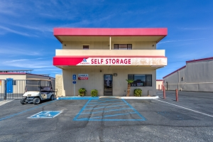 Devon Self Storage - Ramon - Photo 1